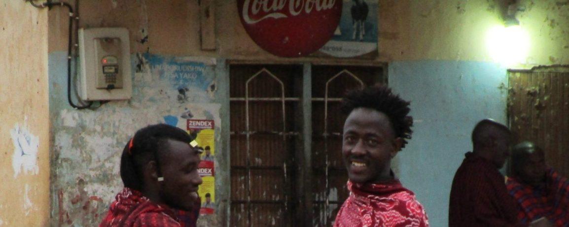 MAASAI: UN POPOLO CHE SORRIDESEMPRE