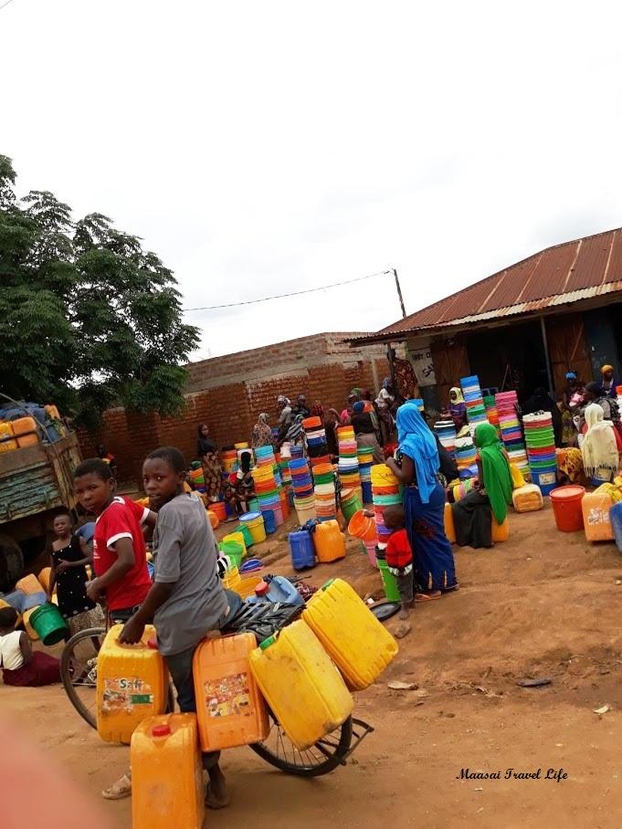 Giornata di turno d'acqua a Kiberashi
