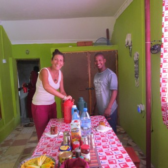 GIULIA E WILLIAM A COLAZIONE DA MAASAI TRAVEL LIFE