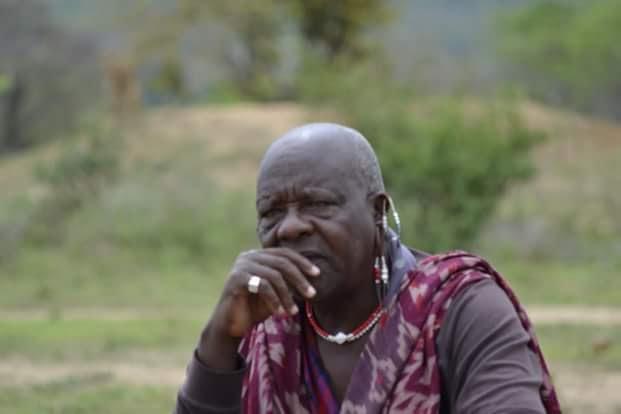 Uno dei tanti capi famiglia masai